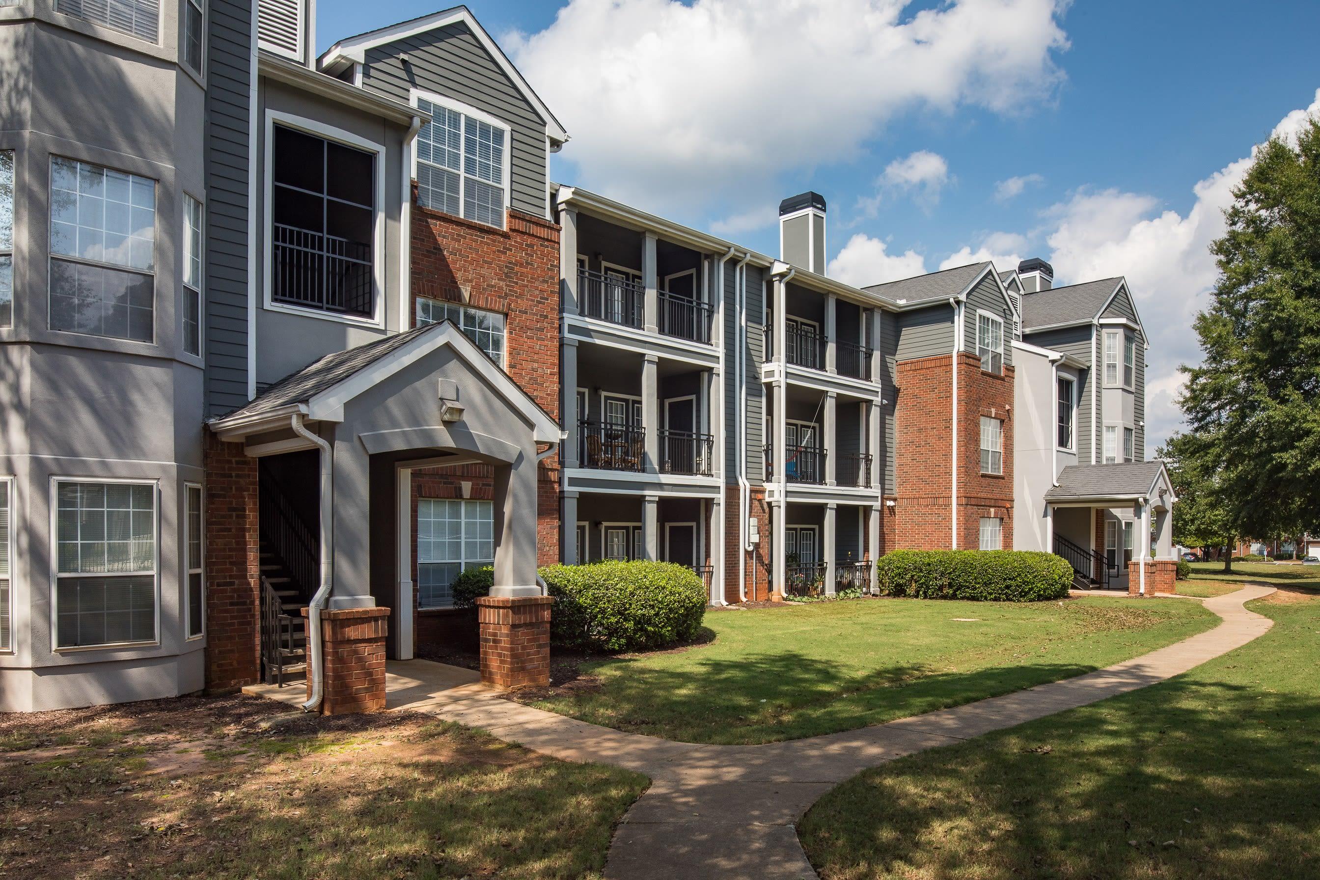 Beautifully created apartment homes at Parc at 980