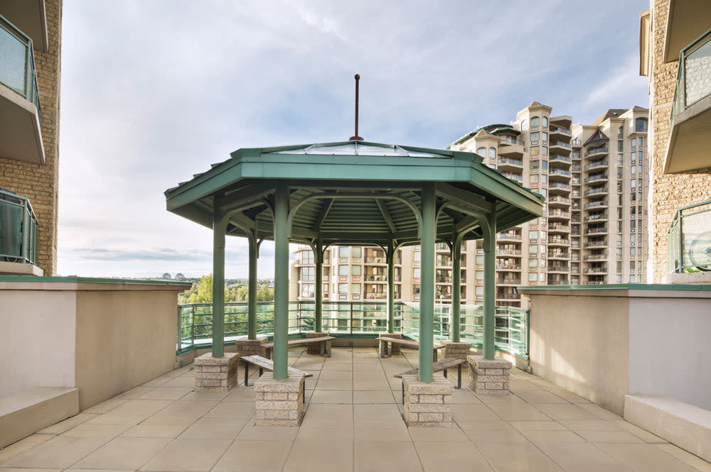 Rooftop Gazebo and community space at Discovery Pointe