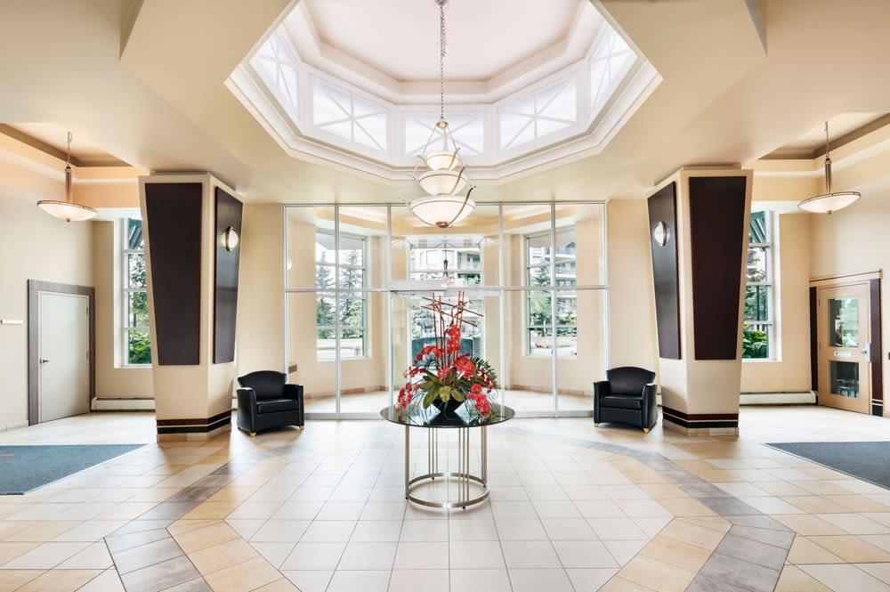 Beautiful and welcoming entrance at Discovery Pointe