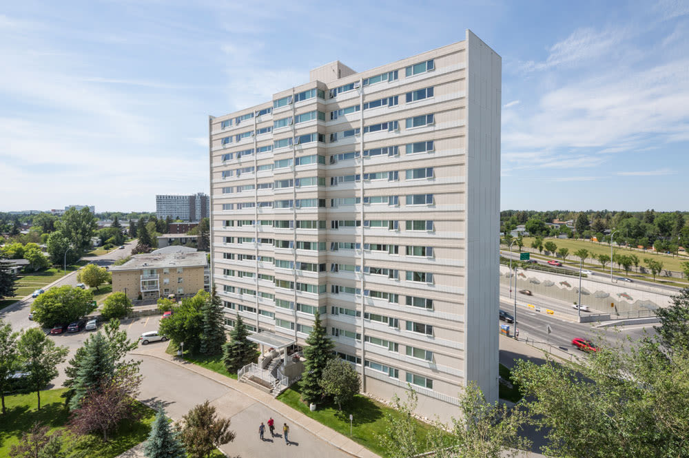 Aerial view of the apartment building at Glenmore Heights at Calgary, AB