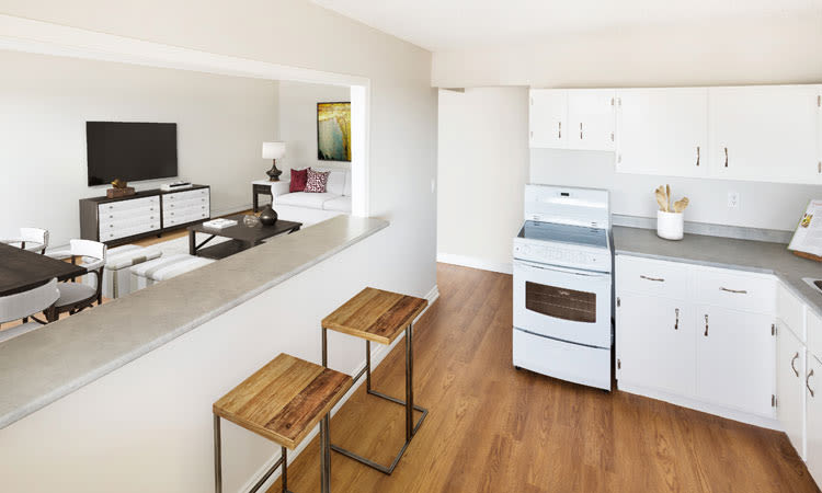 Saskatoon Tower offers a beautiful kitchen in Saskatoon, Saskatchewan