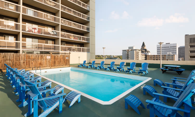 Saskatoon Tower offers a beautiful swimming pool in Saskatoon, Saskatchewan
