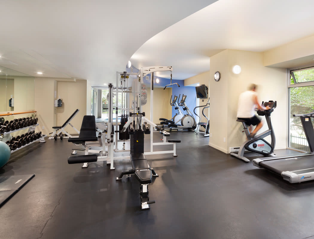 Enjoy our state-of-the-art apartments fitness center at Yaletown 939