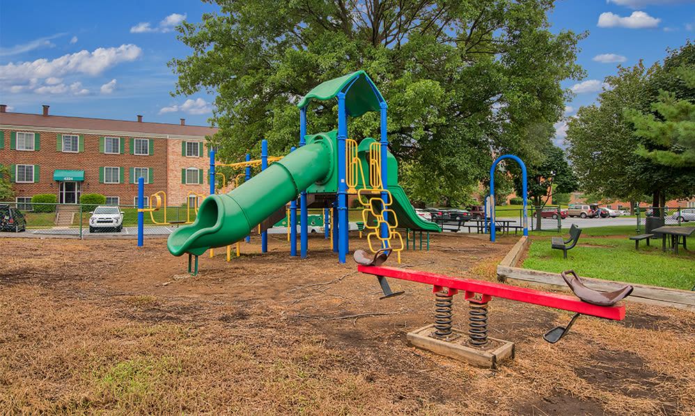 Enjoy apartments with a playground at Eagle's Crest Apartments