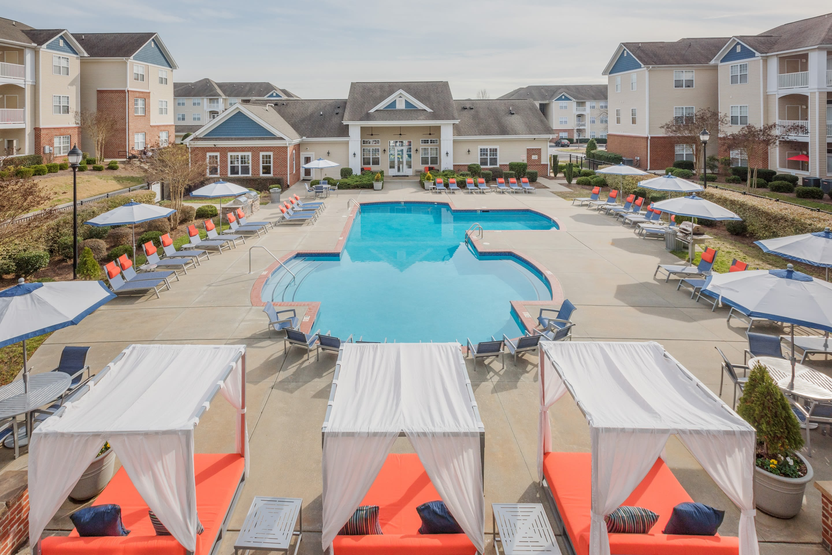 The Avant at Steele Creek offers a luxury swimming pool in Charlotte, North Carolina