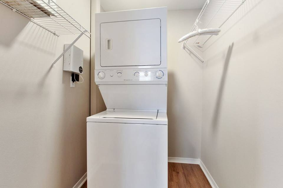 Washer and dryer at Summerfield Apartment Homes in Harvey, Louisiana