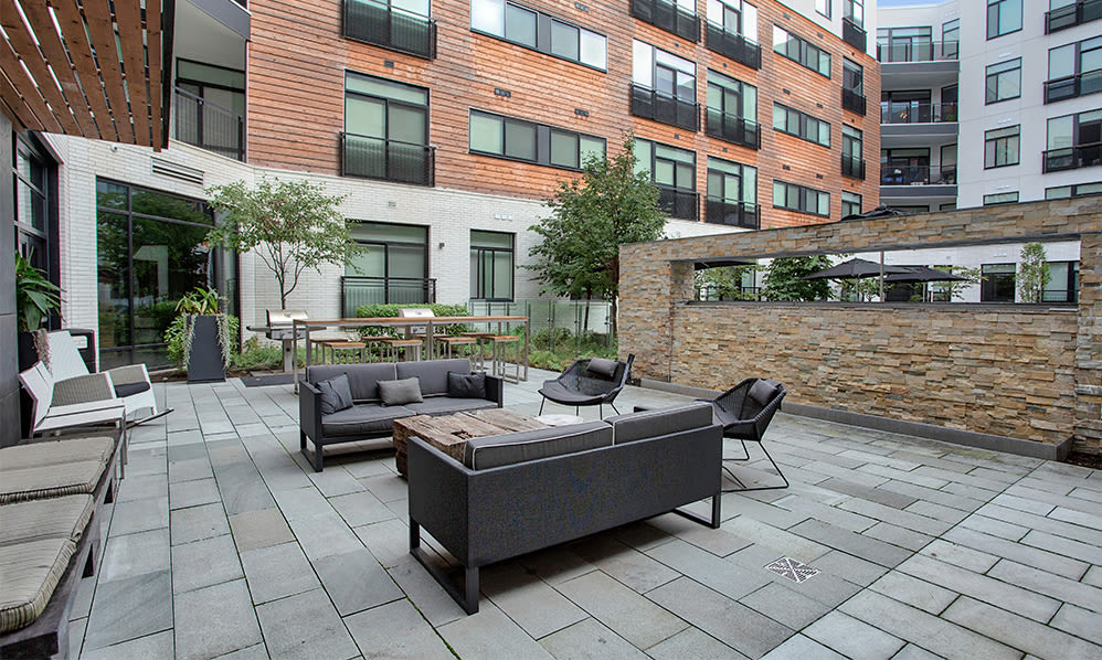 Eastside Bond Apartments offers outdoor seating areas