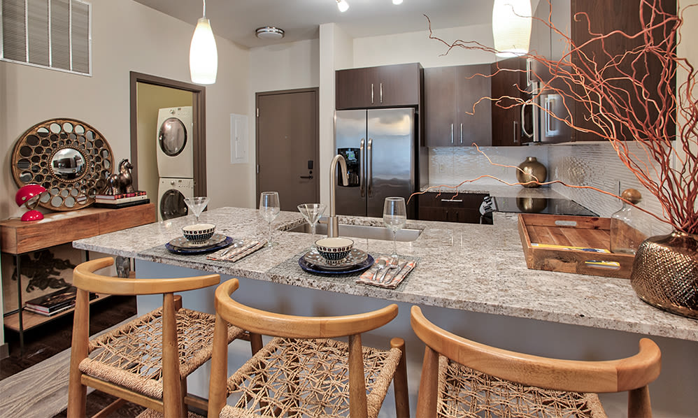Apartments with stone countertops in Pittsburgh, Pennsylvania