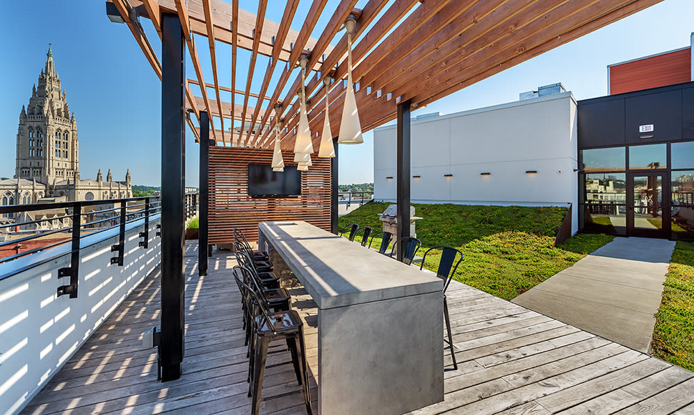 Rooftop area at Eastside Bond Apartments in Pittsburgh, PA