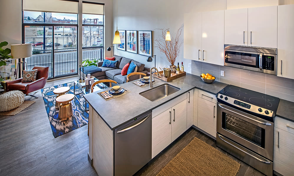 Eastside Bond Apartments offers a state-of-the-art kitchen in Pittsburgh, PA