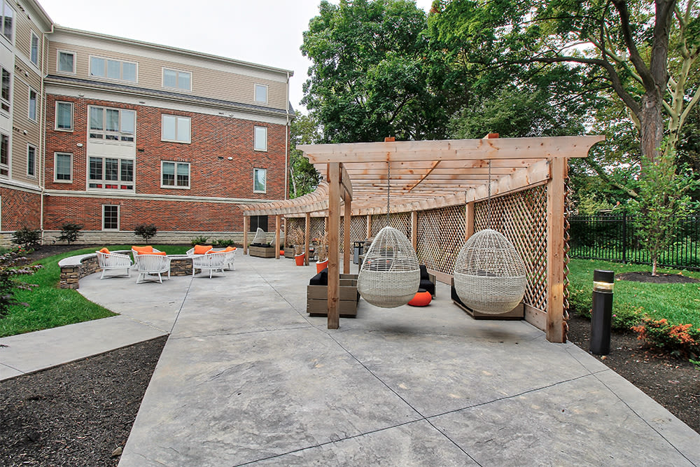 Enjoy apartments with a unique bbq area at 933 the U