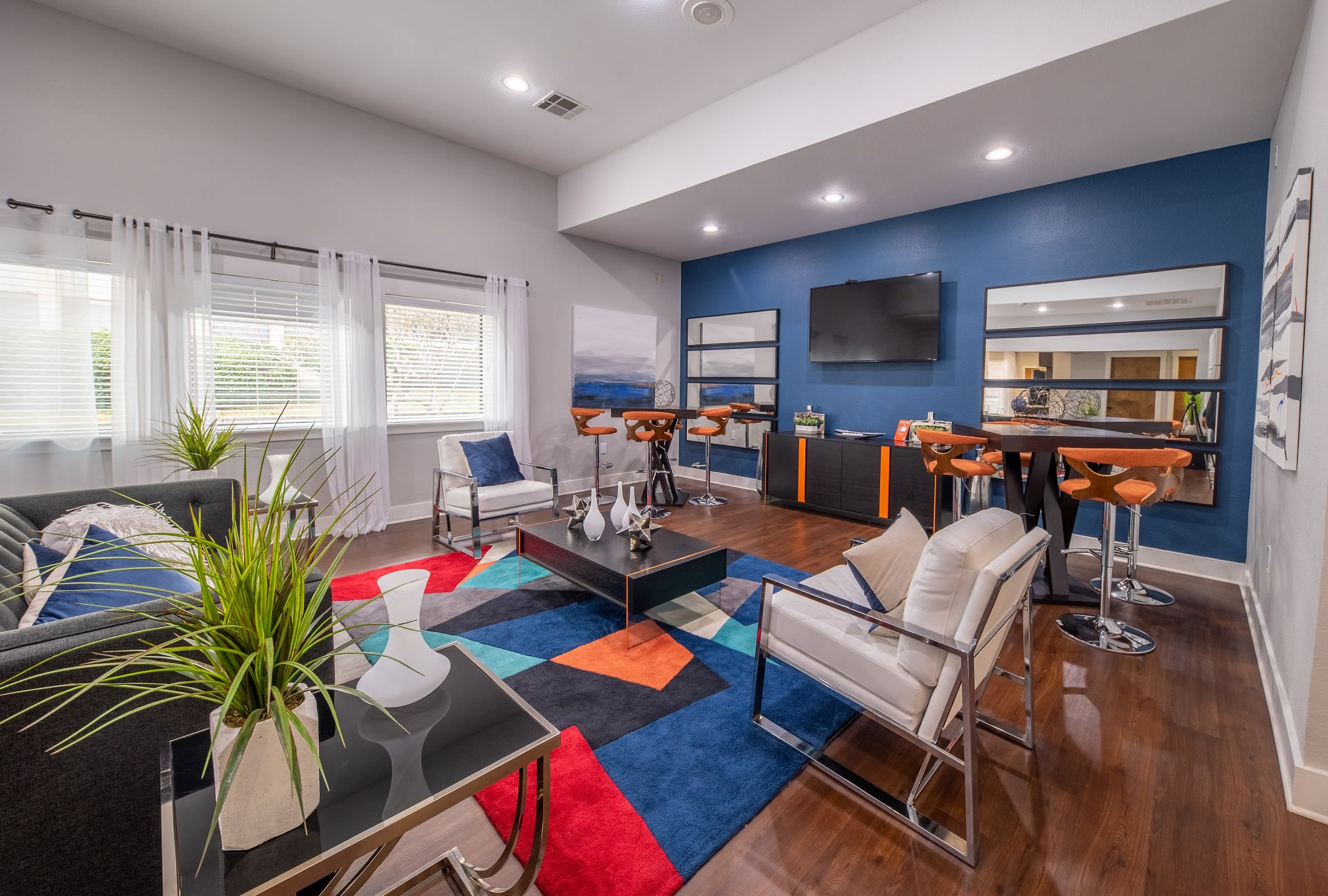 Model apartment at Ridgeview Place in Irving, Texas