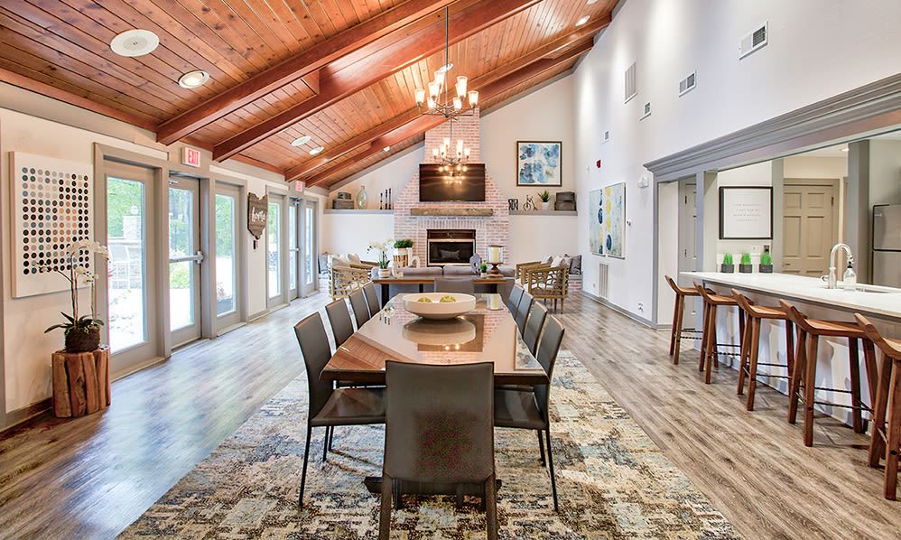 A clubhouse that is great for entertaining at Hunter's Chase Apartments in Westlake, Ohio