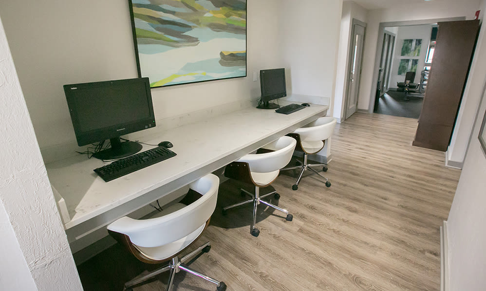 Business center at Hunter's Chase Apartments in Westlake