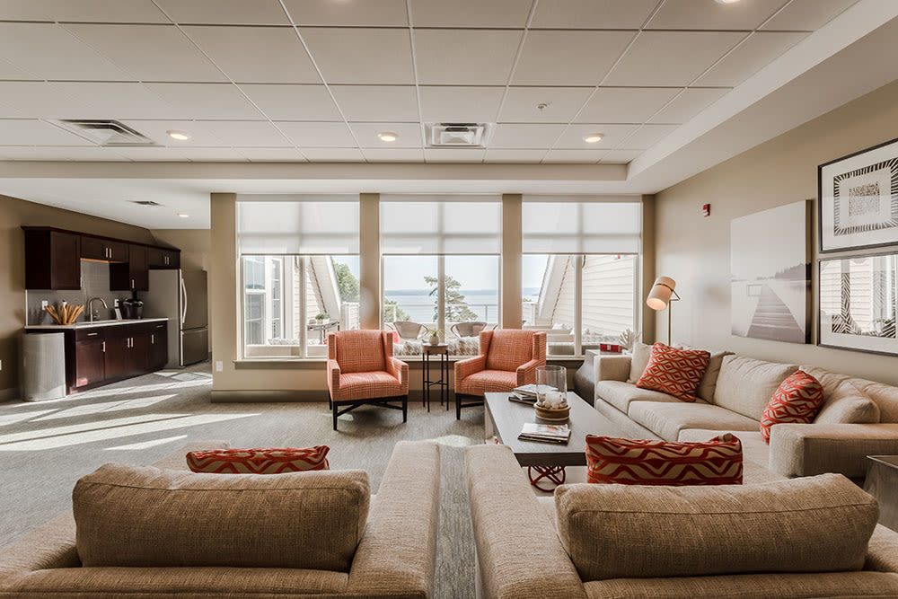 Spacious clubhouse available for all residents at Pinnacle North Apartments