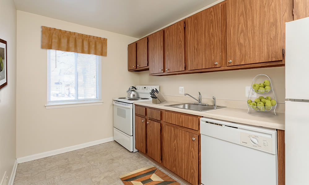Well-equipped kitchen at Willowbrooke Apartments and Townhomes in Brockport, New York