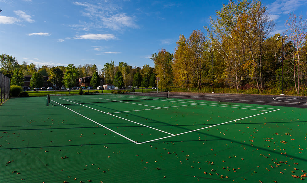 Tennis court view at Willowbrooke Apartments and Townhomes in Brockport