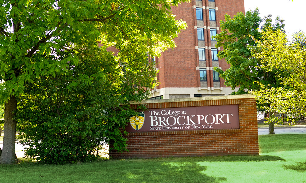 Willowbrooke Apartments and Townhomes signage in Brockport