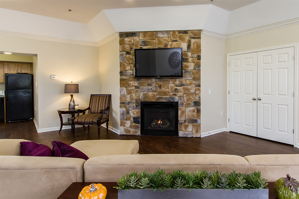 Villas of Victor & Regency Townhomes in Victor, New York showcase a beautiful living room