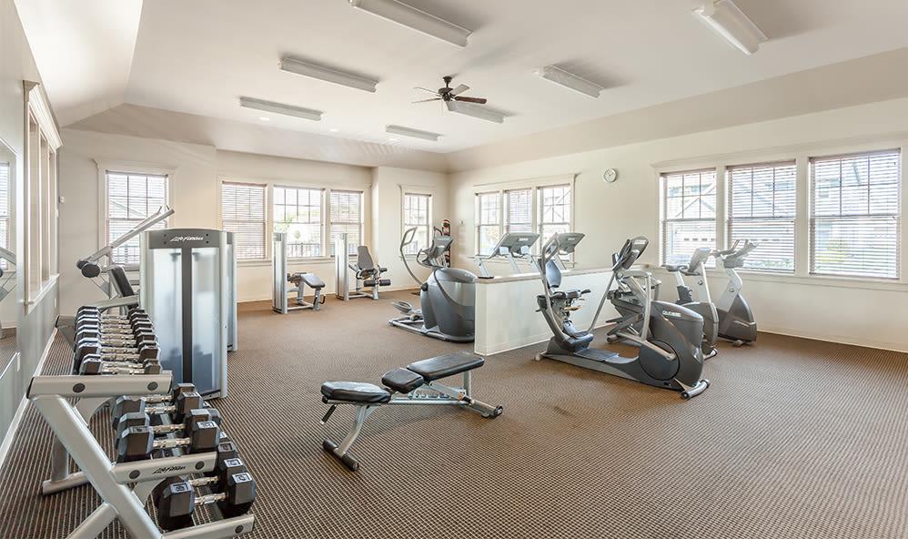 Fitness center at Saratoga Crossing in Farmington, NY