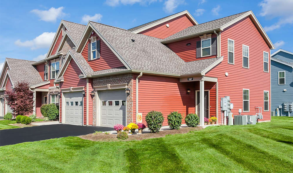 Welcome to Saratoga Crossing in Farmington, NY