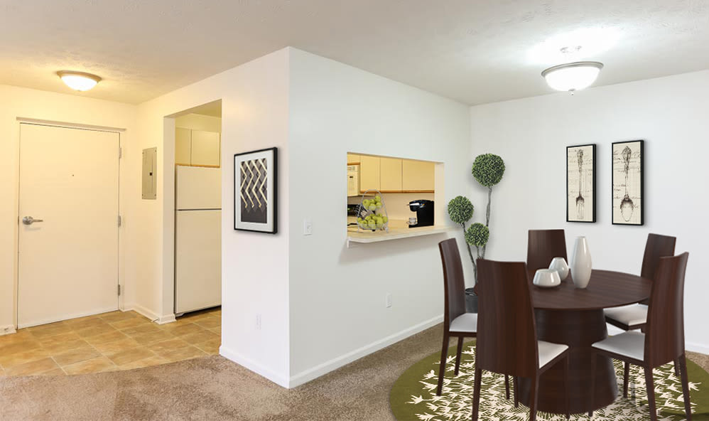 Dining room at CenterPointe Apartments and Townhomes home in Canandaigua, New York