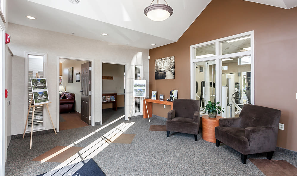 Clubhouse seating at CenterPointe Apartments and Townhomes in Canandaigua, New York