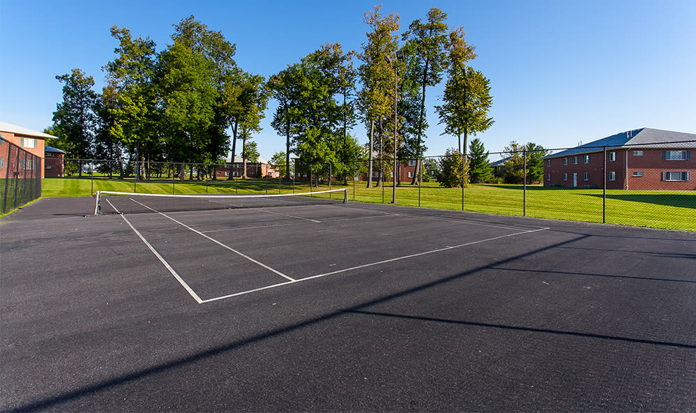 Tennis court at CenterPointe Apartments and Townhomes in Canandaigua, New York