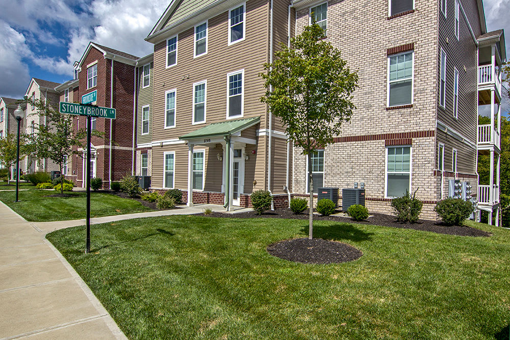 Building Exterior at Overlook Apartments in Elsmere, KY