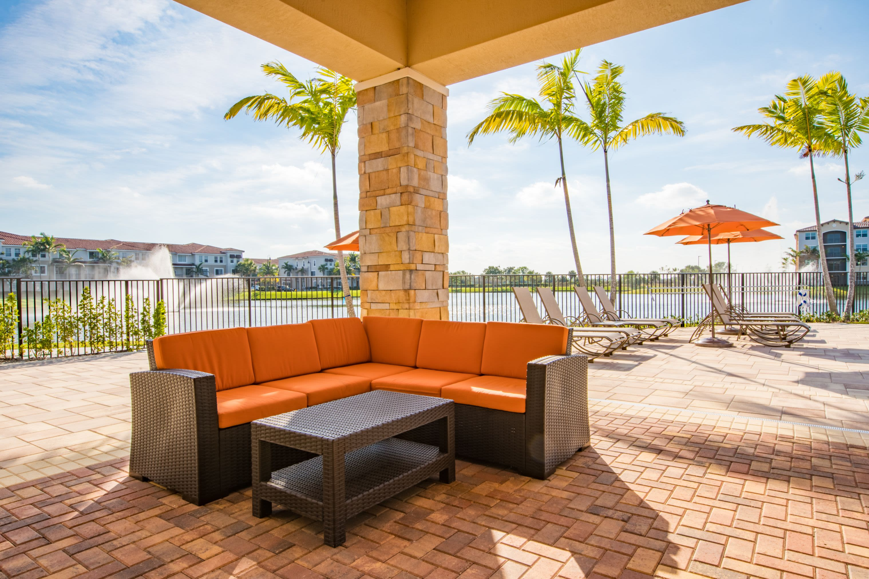 Outdoor Resident Seating at Luma Miramar Apartments in Miramar, Florida