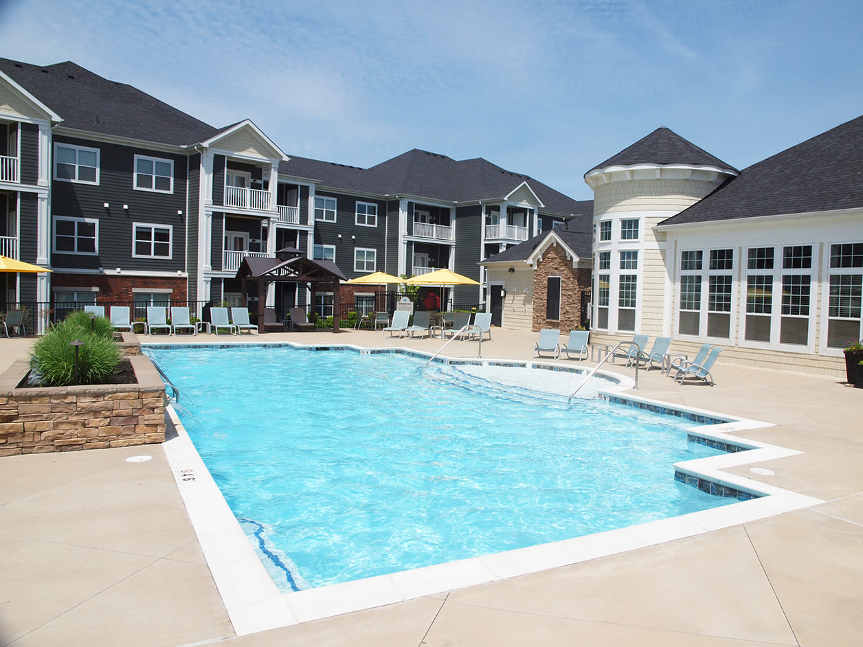 Outdoor pool and building exteriors at Kendal on Taylorsville in Louisville, Kentucky