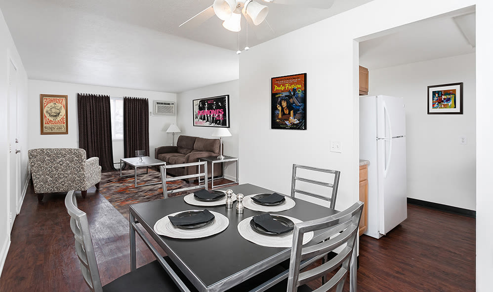 Dining area at Brockport Crossings Apartments & Townhomes in Brockport, NY