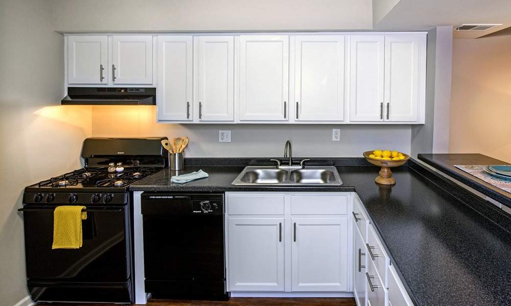 Upgraded kitchen at Nineteen North Apartments in Pittsburgh, Pennsylvania