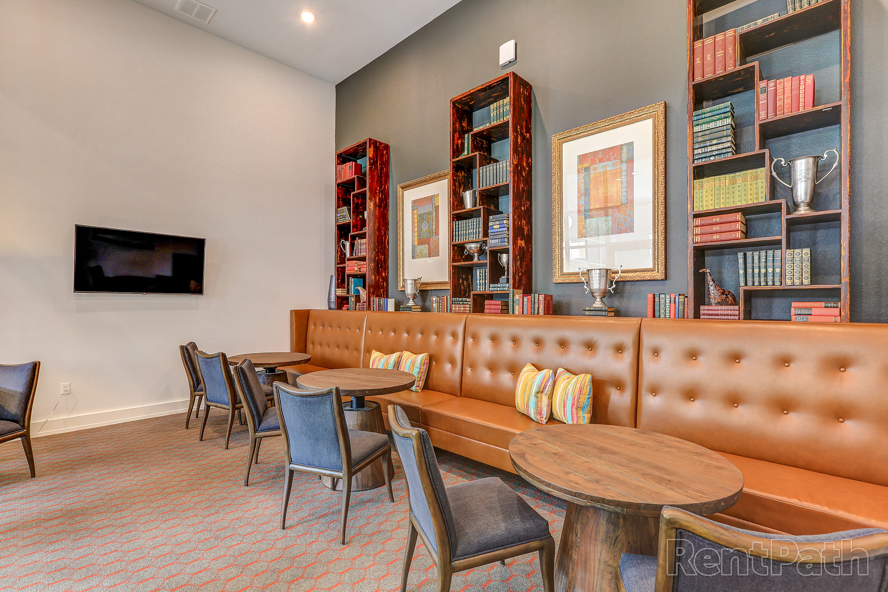 Dining area at Lola Apartments in Riverview, FL
