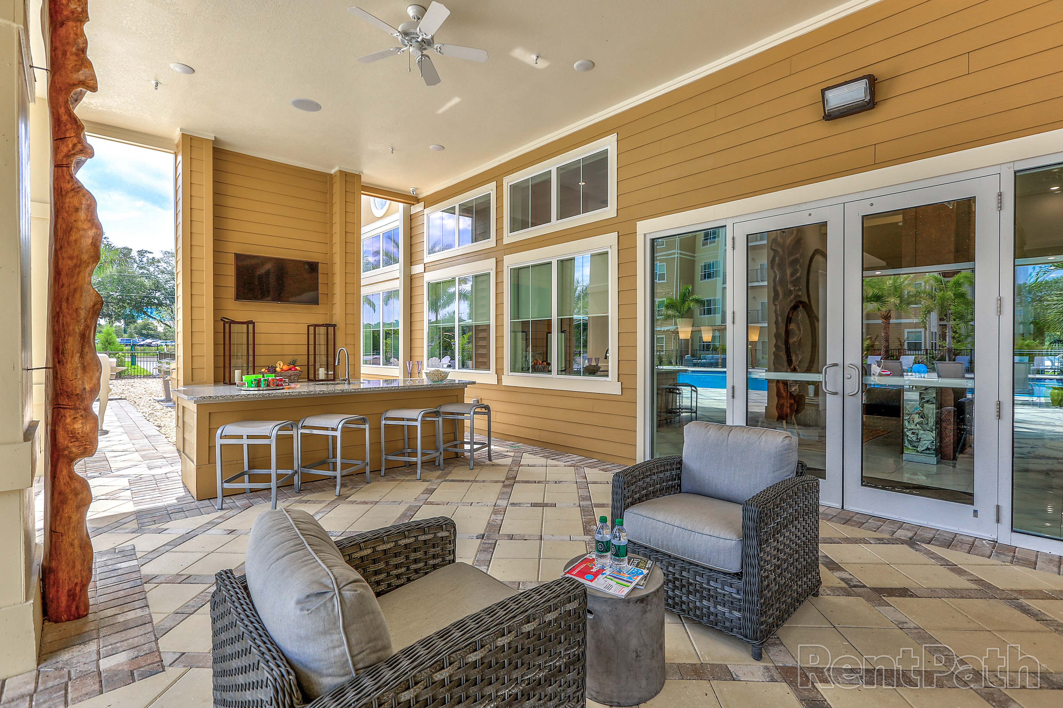 Lounging area at Lola Apartments in Riverview, FL