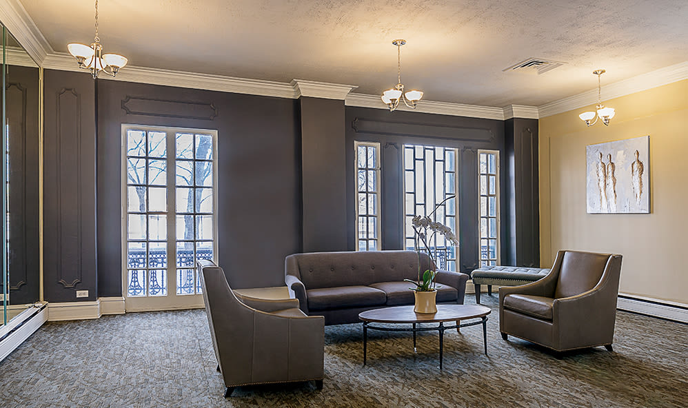 Enjoy our community amenities at 7100 South Shore Apartment Homes in Chicago, Illinois