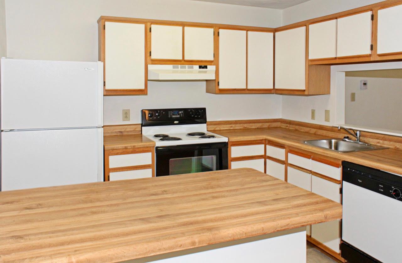 Faux butcherblock countertops at Meadowridge Apartments in Franklin, VA