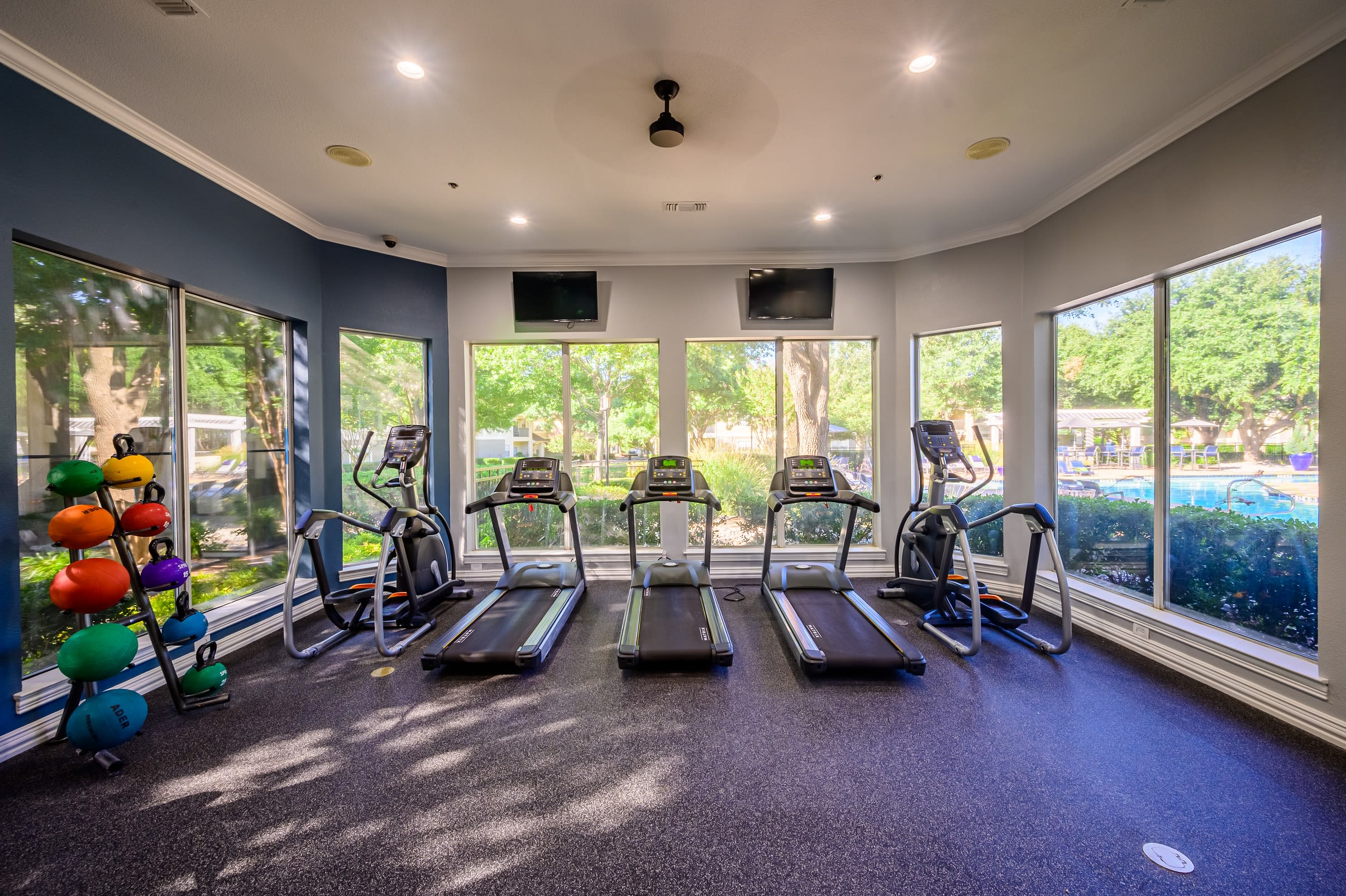 Enjoy the fitness center at 23Hundred @ Ridgeview in Plano, Texas