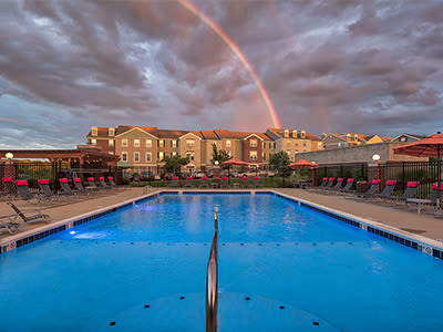 Beautiful swimming pool at apartments in Elsmere, Kentucky