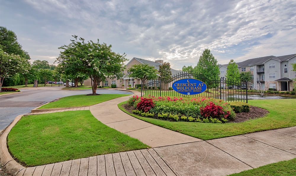 Exterior views at Crescent at Wolfchase in Memphis
