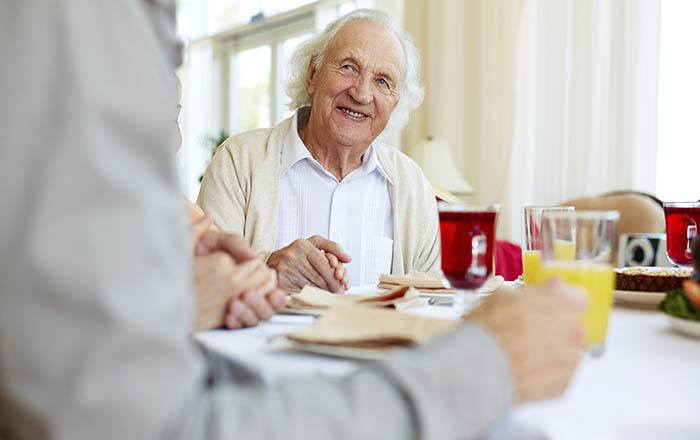 Memory care dining at Anchor Bay at East Providence in East Providence, Rhode Island.