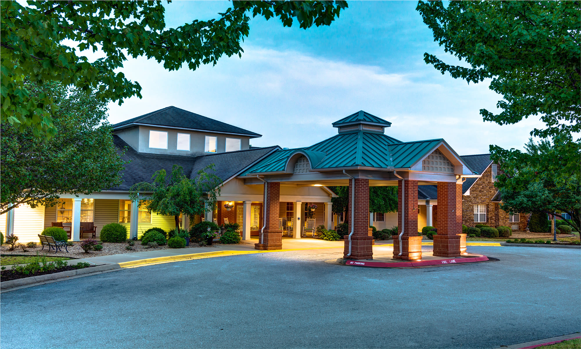 Senior living at Brookstone Assisted Living Community in Fayetteville, Arkansas