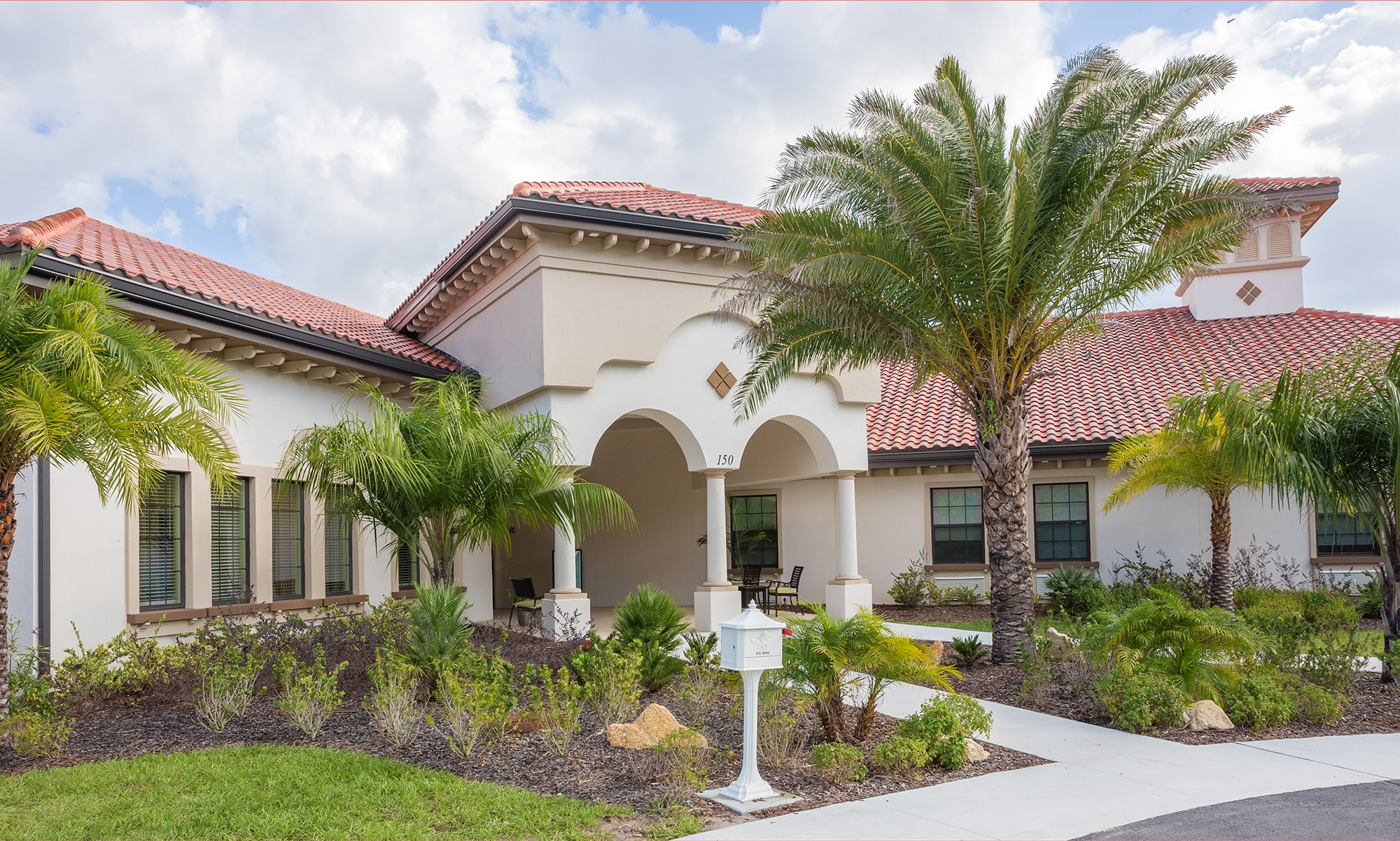 Senior living at Symphony at St. Augustine in St. Augustine, Florida