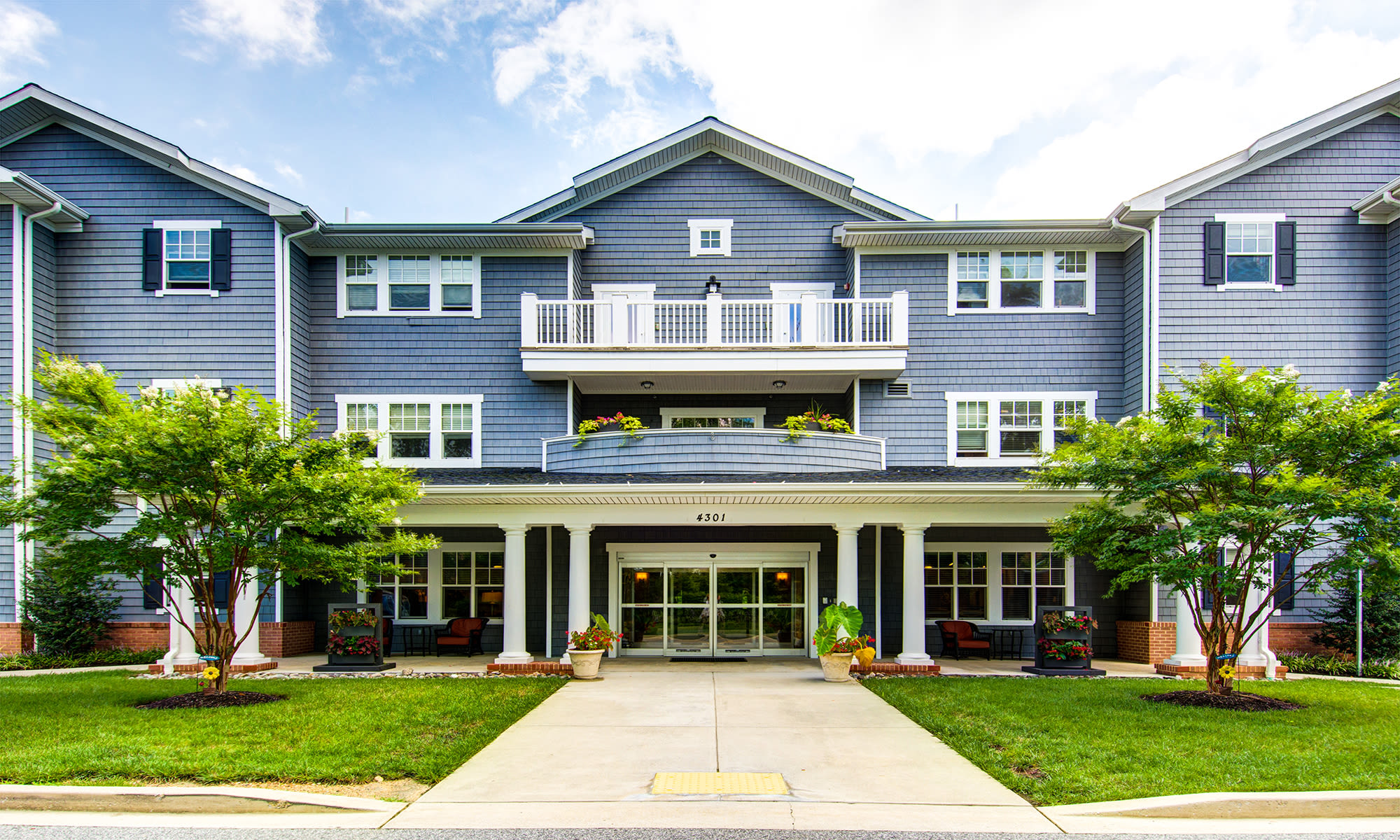 Symphony Manor senior living in Baltimore, Maryland