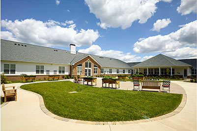 Senior living at Symphony at Centerville in Dayton