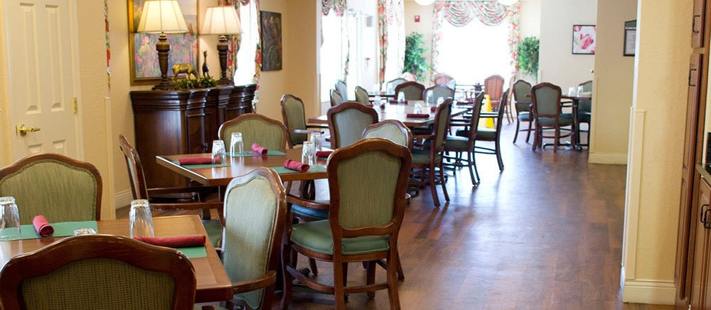 Elegant dining at The Villas at Sunset Bay in New Port Richey, Florida