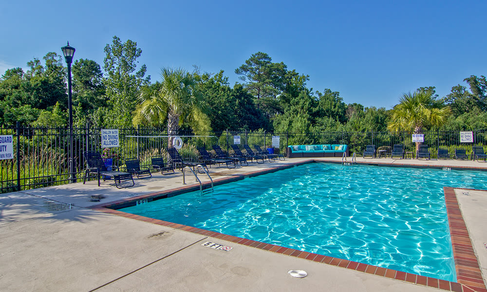 Large pool at The Overlook at Golden Hills in Lexington, South Carolina