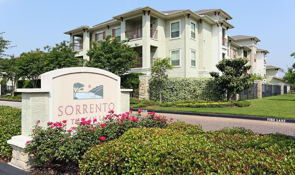 Nearby Community The Sorrento at Tuscan Lakes