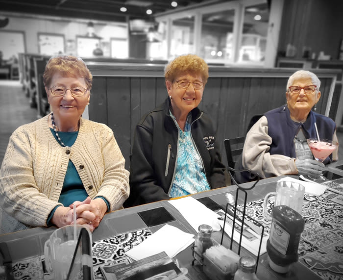seniors' outing at Chili's