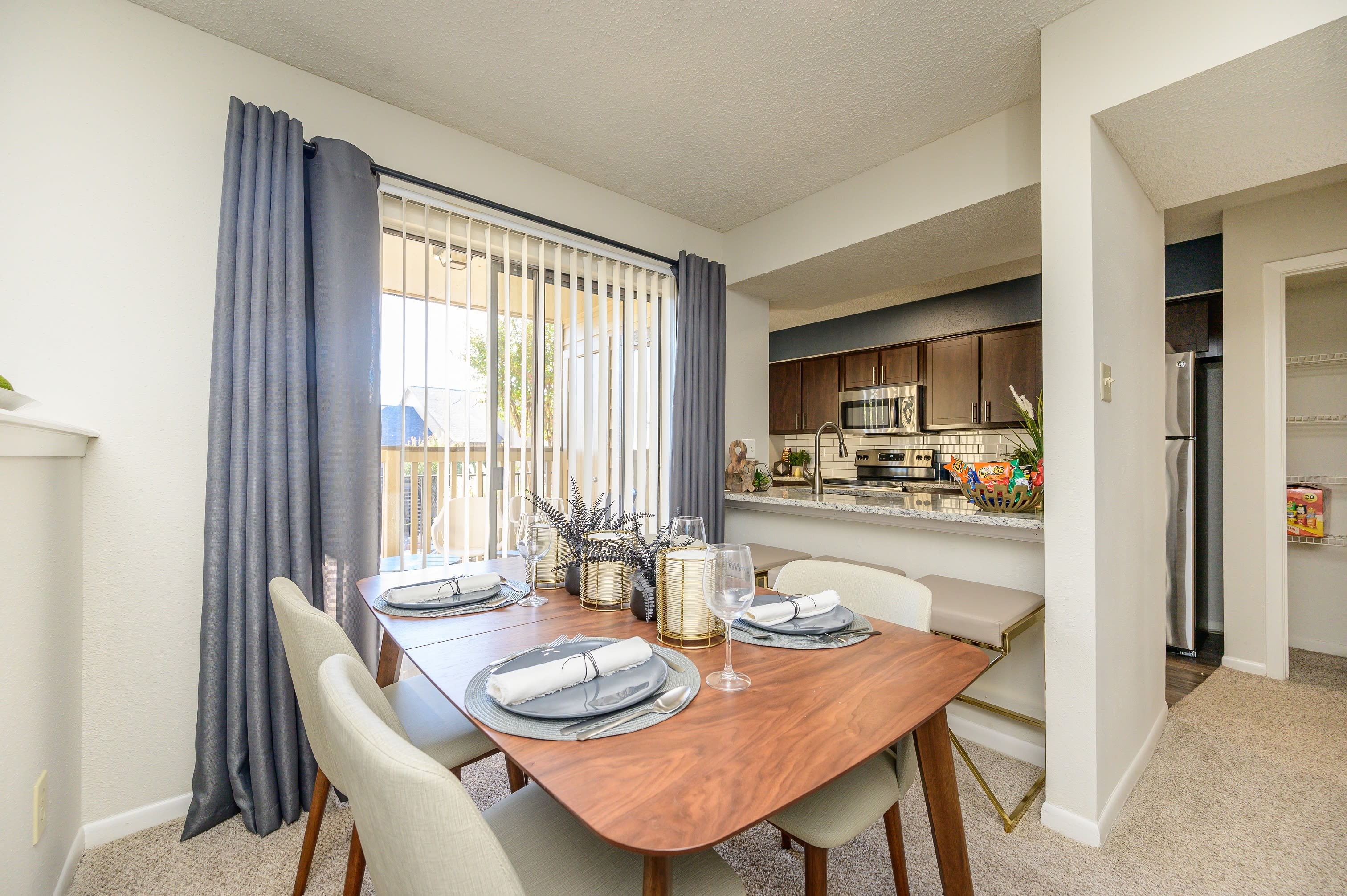 Breakfast nook at Laurel Heights at Cityview in Fort Worth, Texas